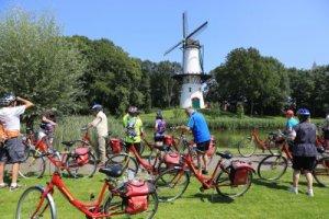 עם אופניים באנטוורפן