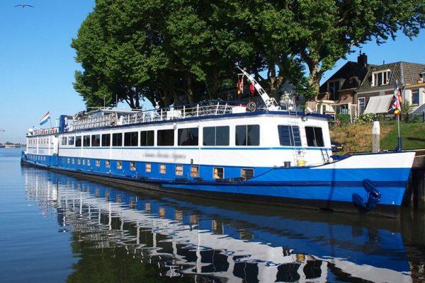 ספינת השייט בטיול להולנד ובלגיה
