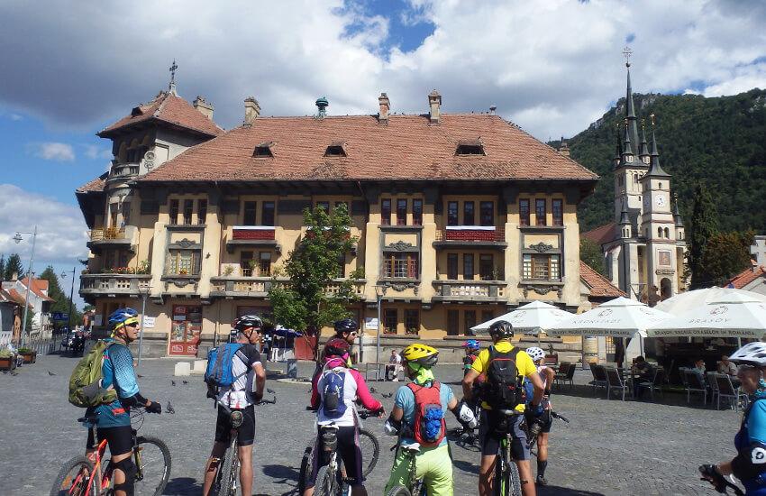 טיול אופניים בהרי הקרפטים רומניה